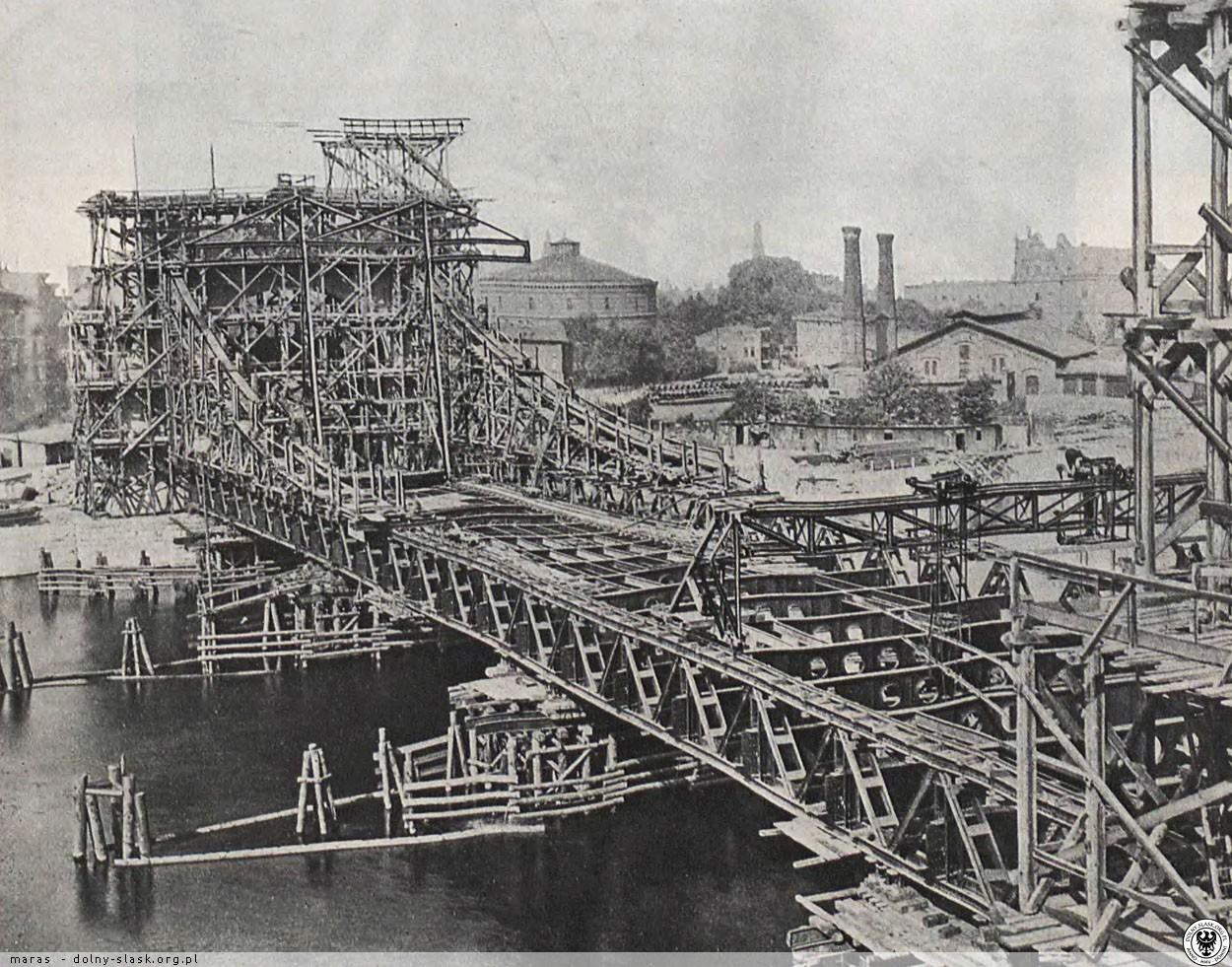 https://polska-org.pl/foto/3414/Budowa_mostu_1909_1910_Wroclaw_3414119.jpg