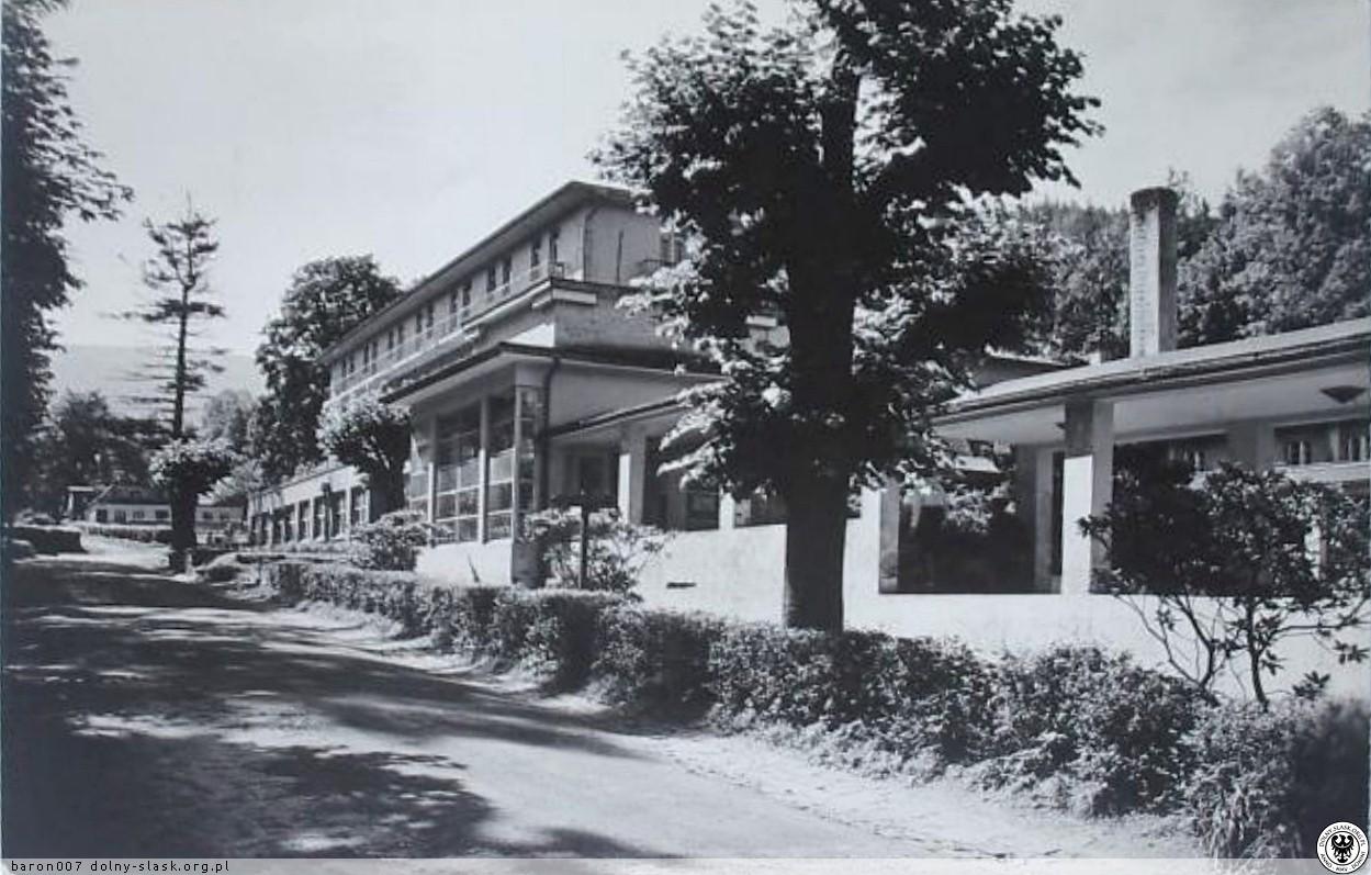 Dom Zdrojowy w Czerniawie-Zdroju, ul. Sanatoryjna, Świeradów-Zdrój