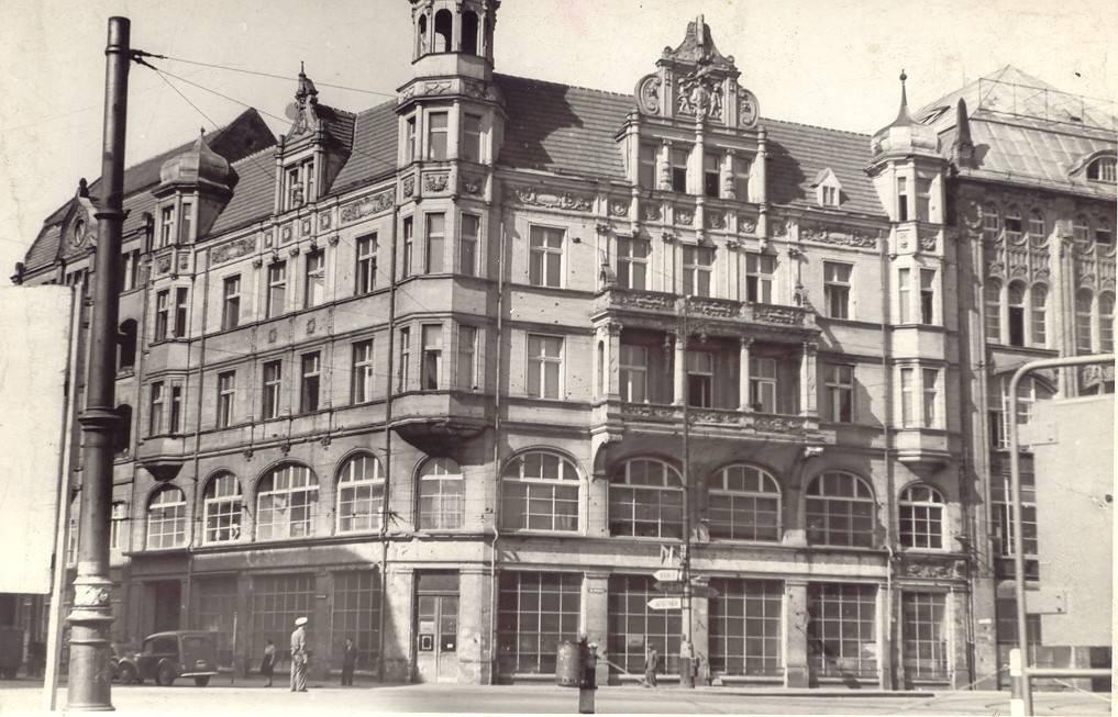 https://dolny-slask.org.pl/foto/7/Dom_handlowy_Podwale_ul_Podwale_Wroclaw_007025.jpg